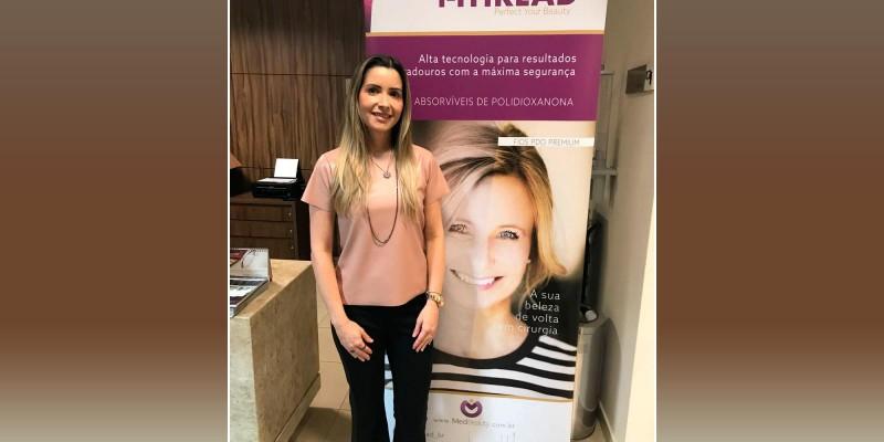 Dra Samantha Maia participou no dia 14/07/18, na Clinica Dermac, de um curso em atualizações em fios PDO e NCTF 135HA.